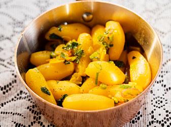 Gott nytt år med saffranskokt potatis