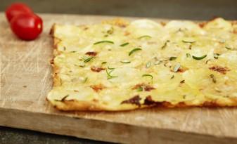 Potatispizza med mozzarella och rosmarin